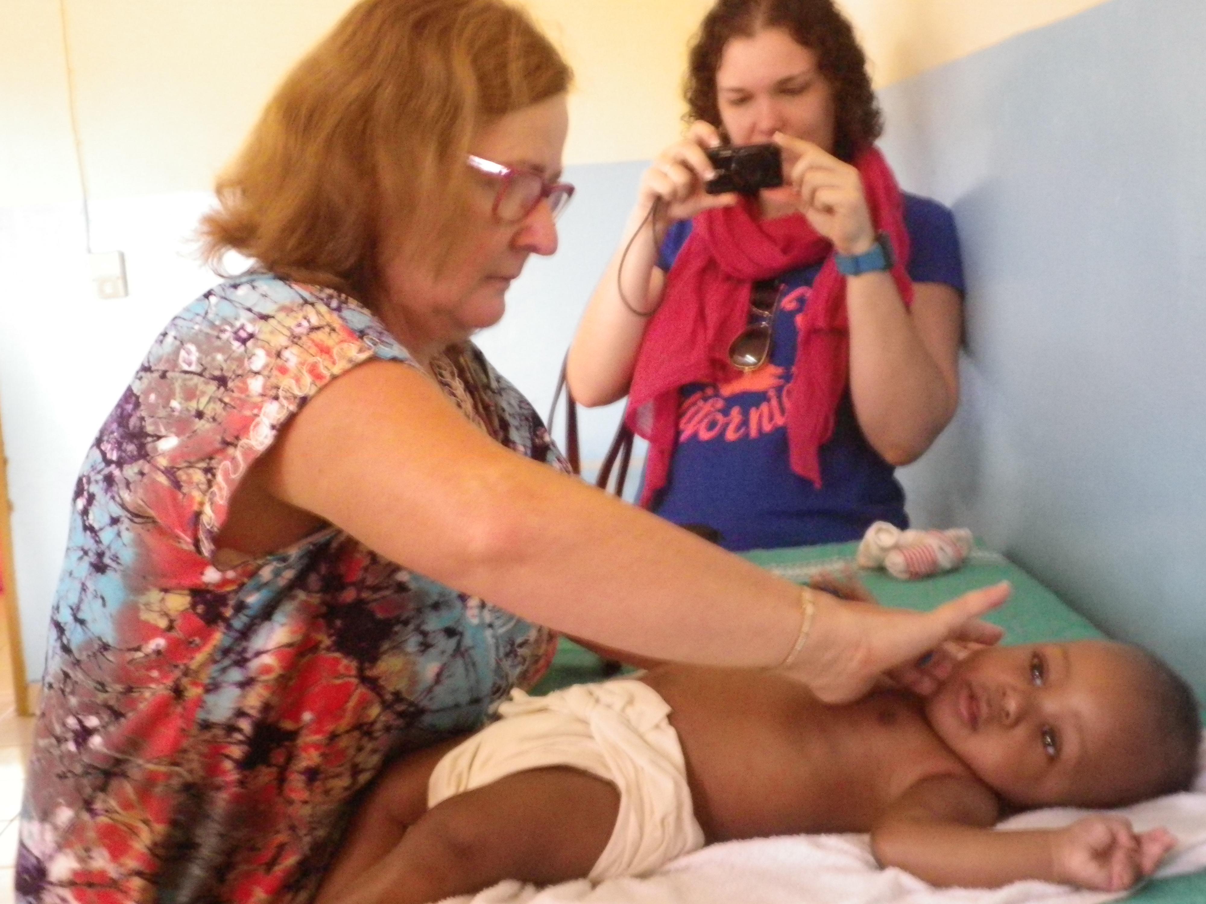 visite médicale à la pouponnière